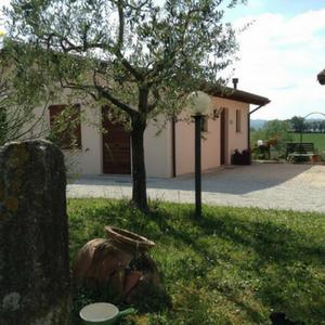 Parcheggio interno Agriturismo Santa Croce